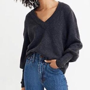 Madewell Dashwood Cozy V-Neck Sweater in Grey